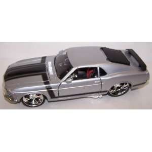 Maisto 1/24 Scale Diecast Custom Shop 1970 Ford Mustang