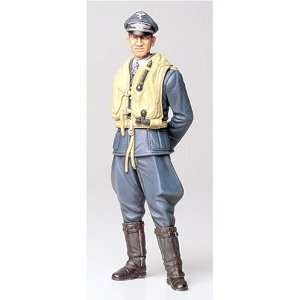 Tamiya 116 German Luftwaffe Ace Pilot Toys & Games