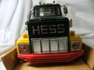 VINTAGE 1984 HESS TOY TRUCK BANK IN ORIGINAL BOX COMPLETE WITH INSERTS